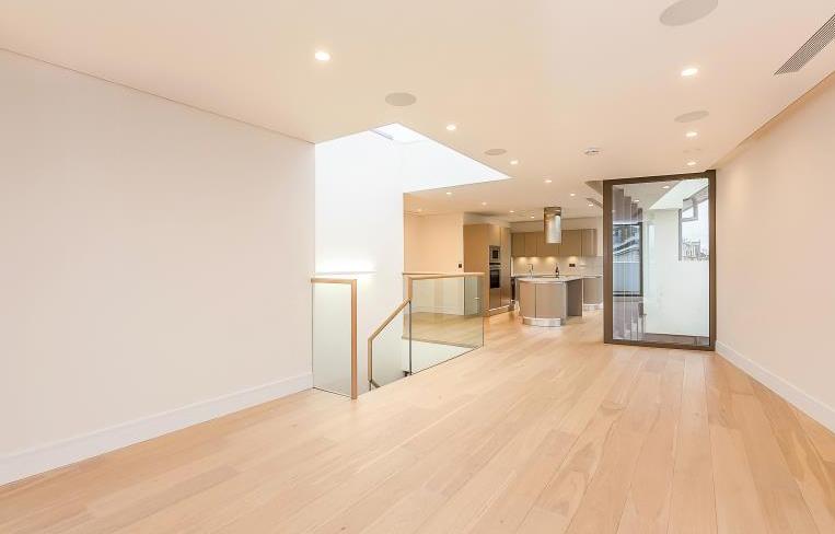 offene moderne k che mit insel. Black Bedroom Furniture Sets. Home Design Ideas