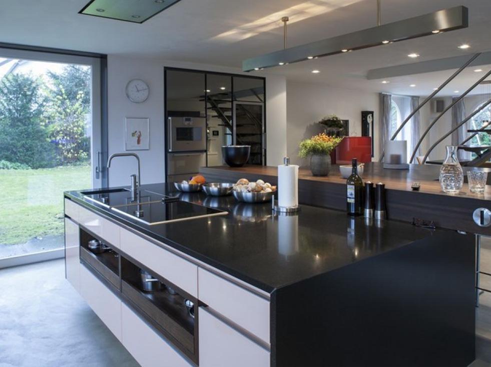 Ansprechende Insel in der Küche 2