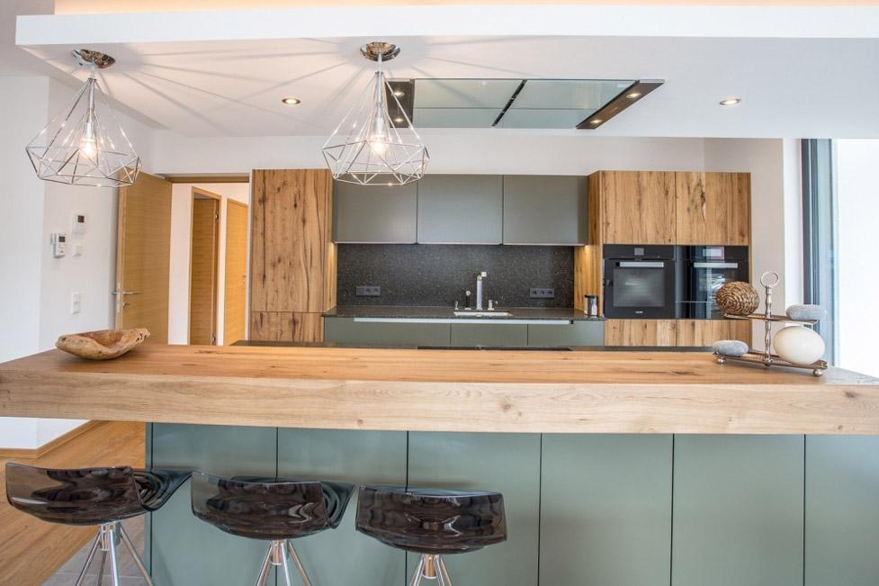 Elegante offene Küche