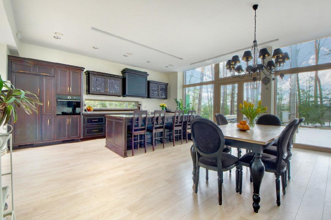 designerische moderne k che mit stahl und holz. Black Bedroom Furniture Sets. Home Design Ideas