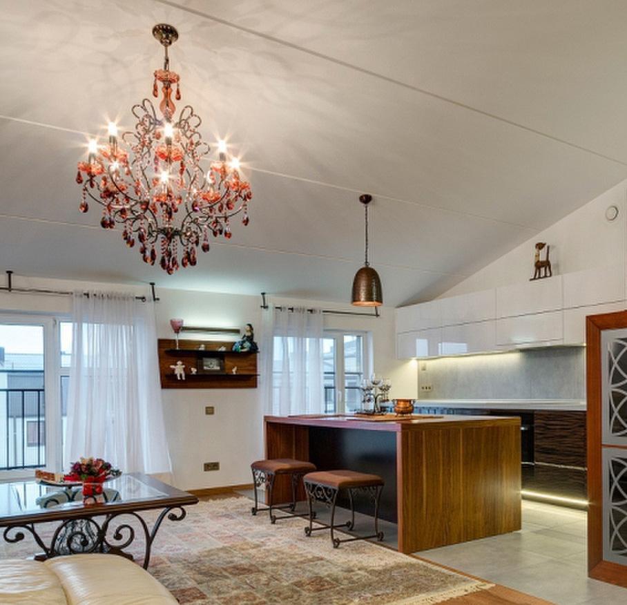 Modische und schön Küche mit Insel