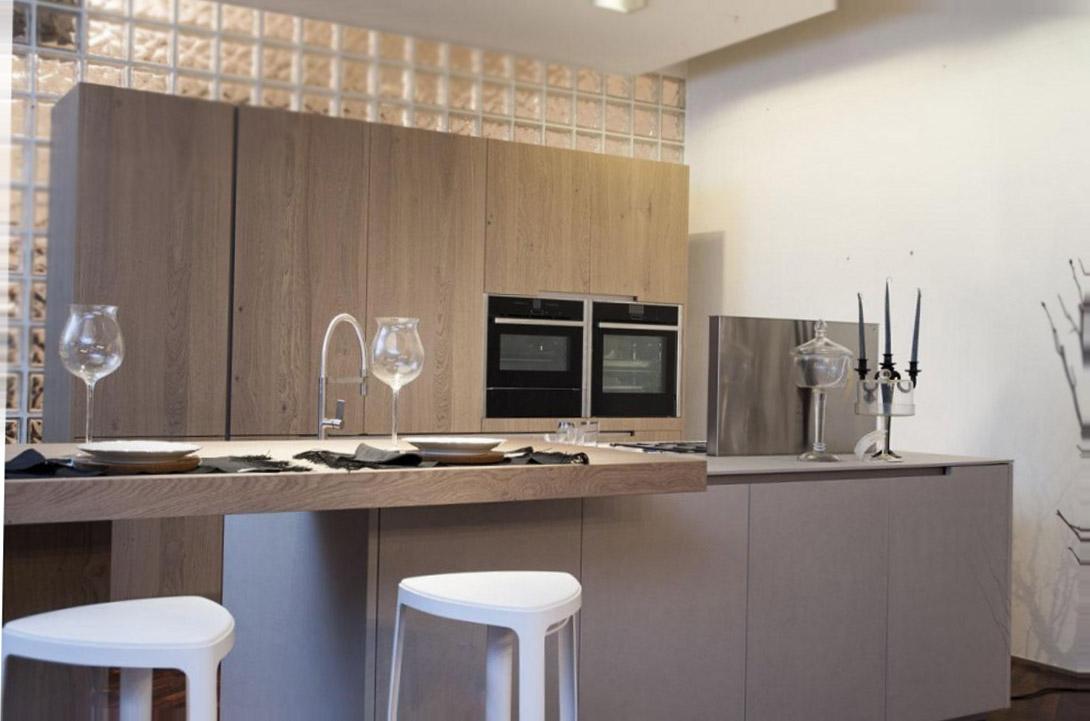 Die geräumige moderne Küche 1