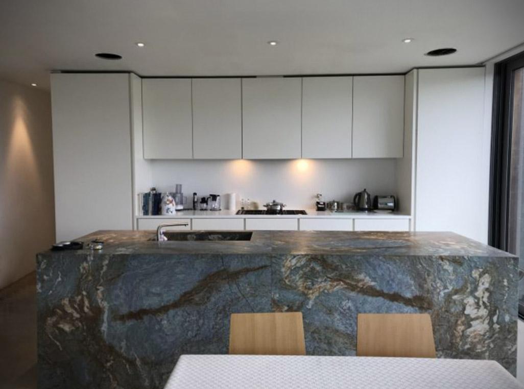 Die moderne Form der stilvollen Küche 1