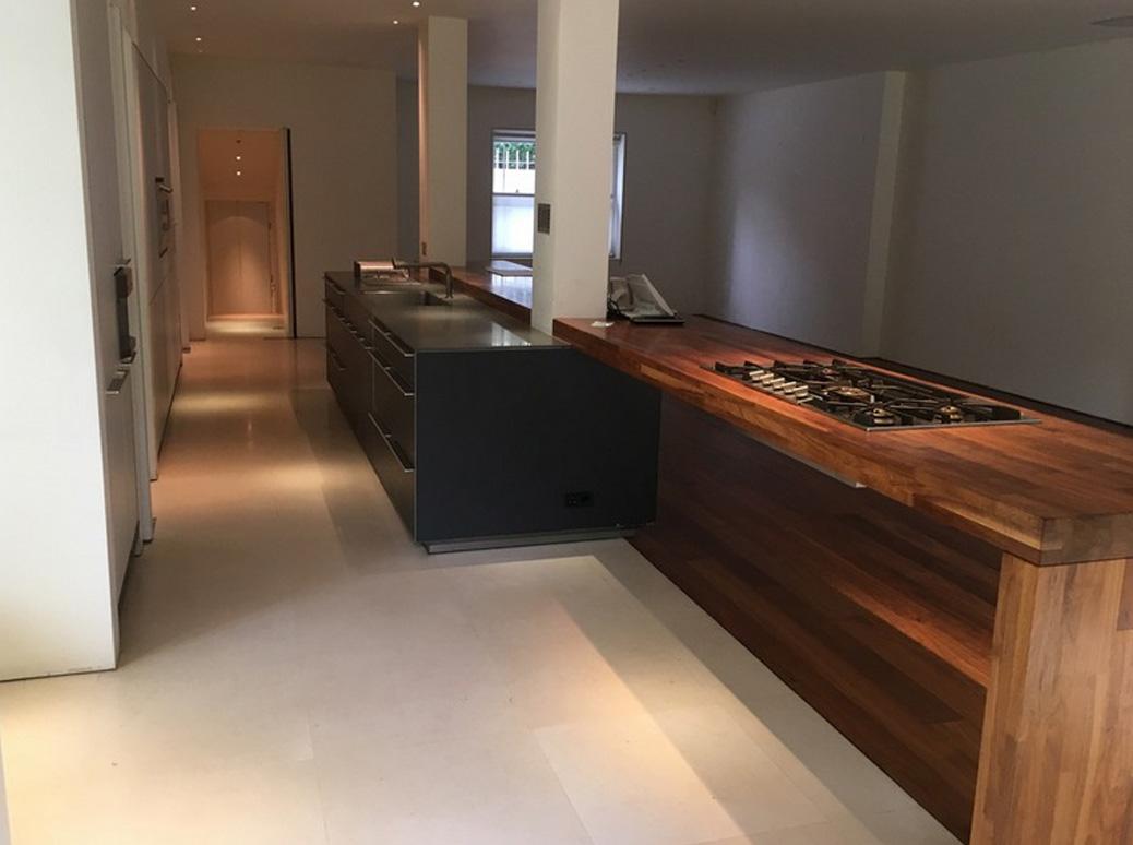 Die schöne, komfortable und moderne Küche 1