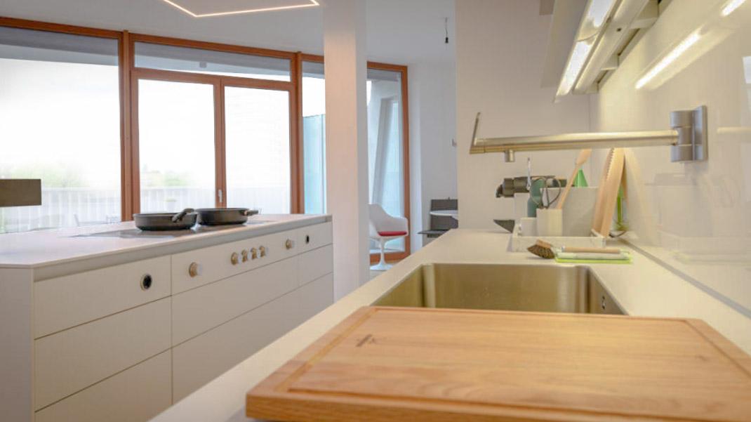 Die zeitgenössische weiße Küche 2