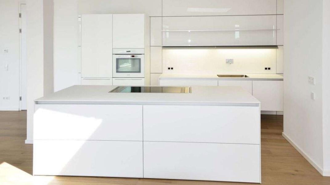 Die zeitgenössische weiße Küche 4