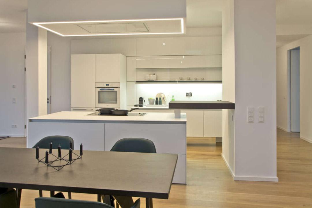 Die zeitgenössische weiße Küche 7