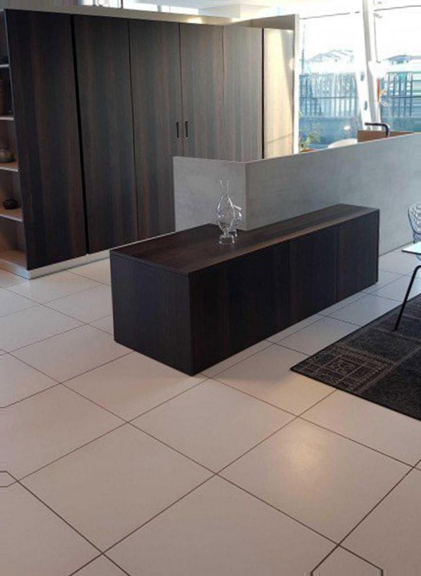 Es ist sehr heimlich und elegant in der modernen Küche 2