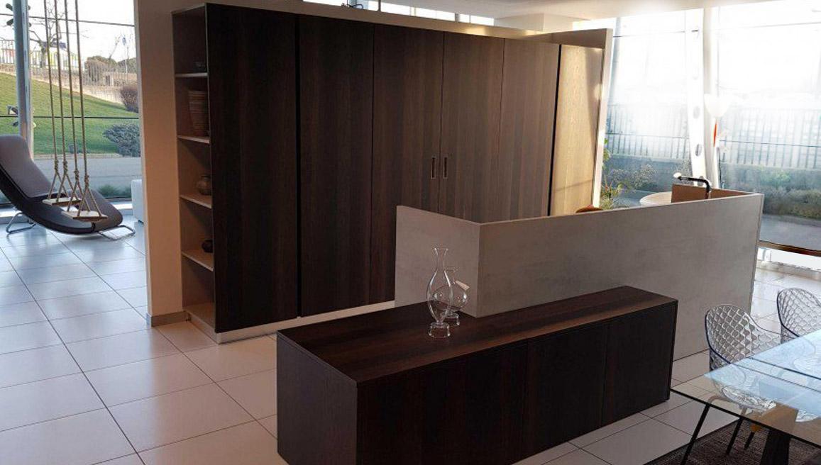 Es ist sehr heimlich und elegant in der modernen Küche 3