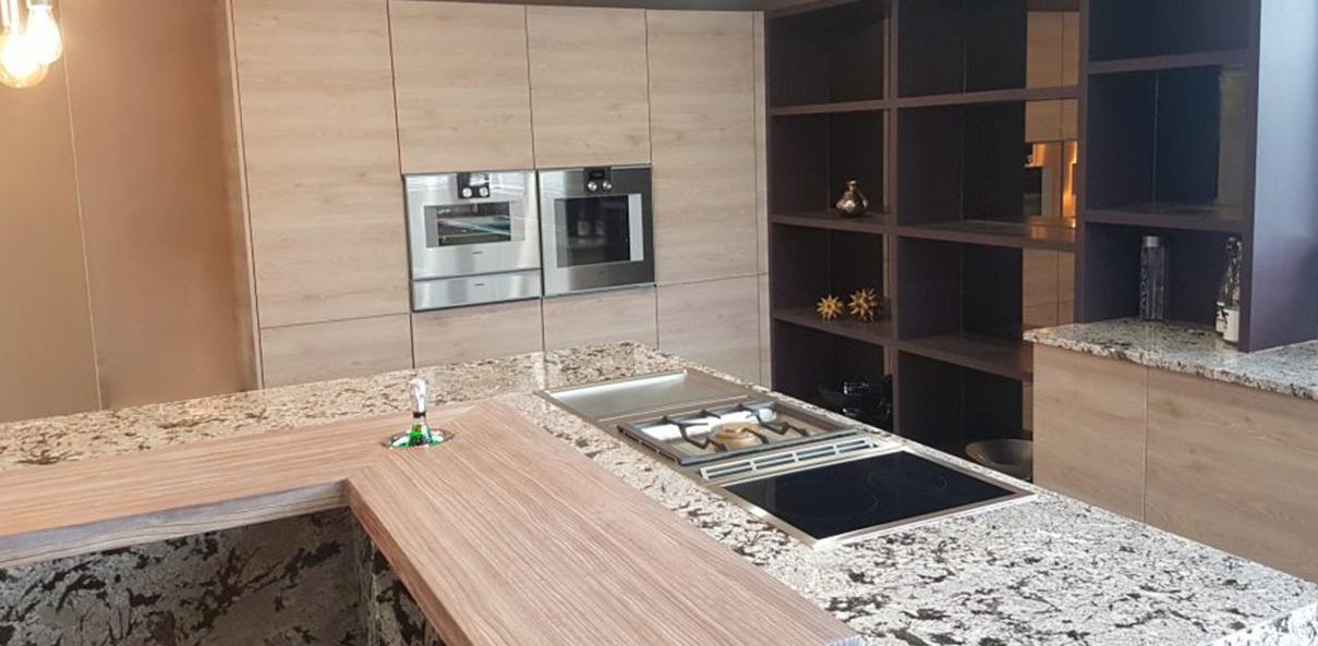 Der modische Granit in der natürlichen Küche 7