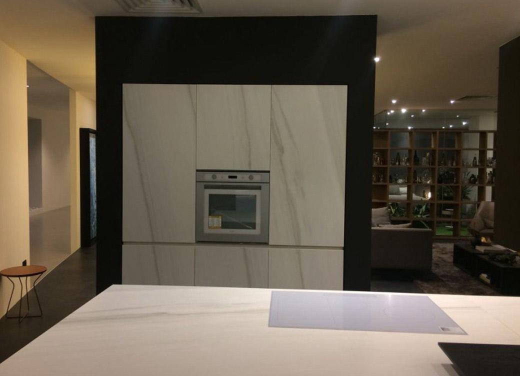 Die Küche mit weißem Marmor 4