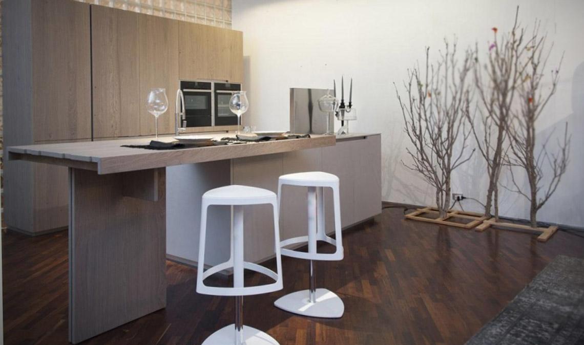 Die geräumige moderne Küche 2