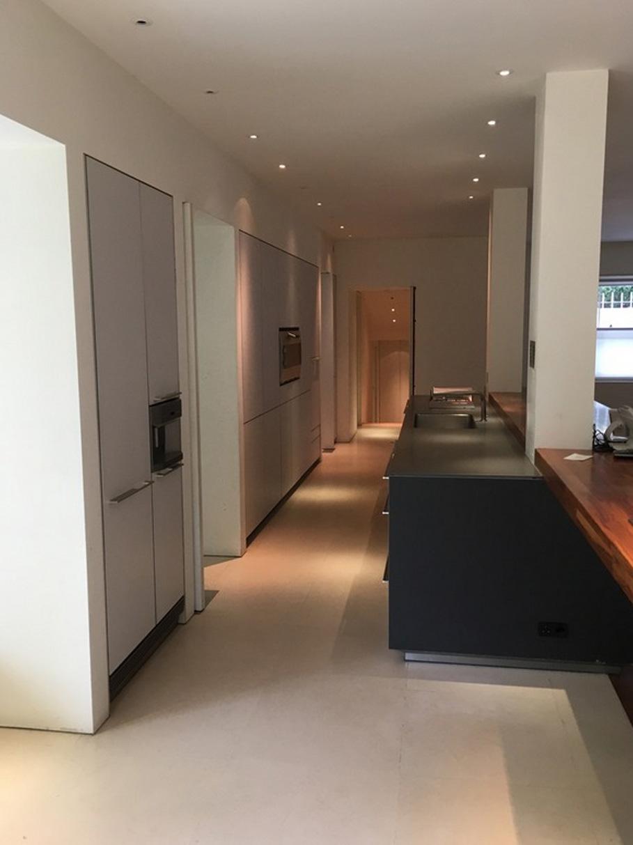 Die schöne, komfortable und moderne Küche 2