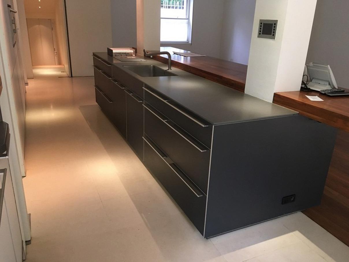 Die schöne, komfortable und moderne Küche 3
