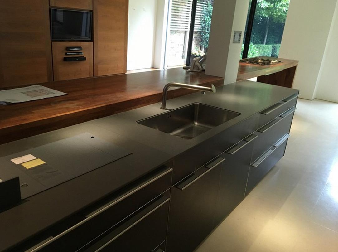 Die schöne, komfortable und moderne Küche 4