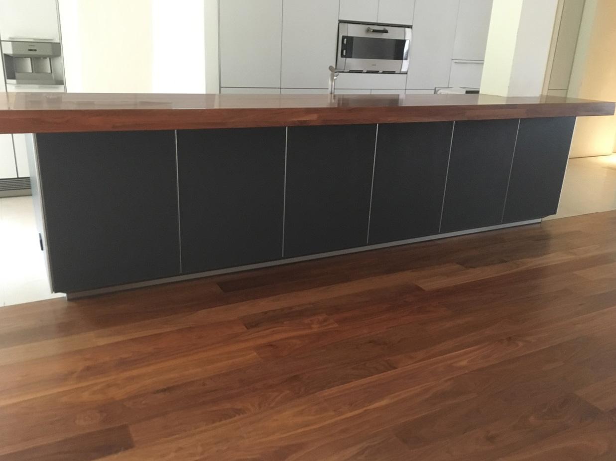 Die schöne, komfortable und moderne Küche 6