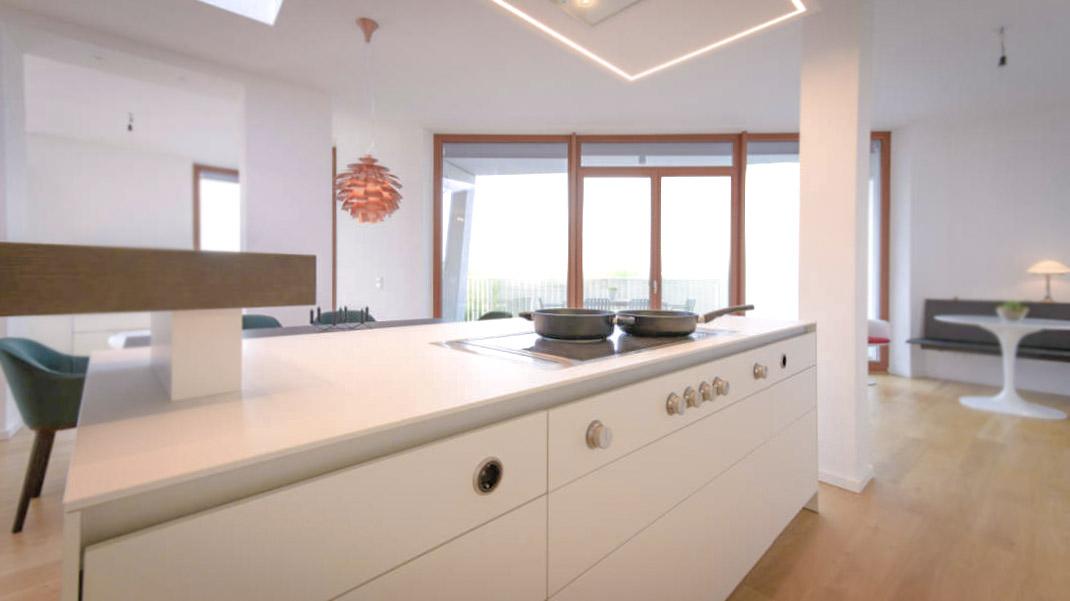Die zeitgenössische weiße Küche 1