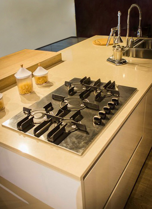 Eine-schicke-moderne-Küche-5