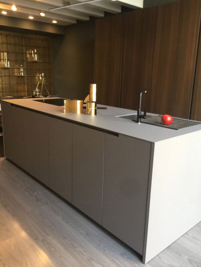 Moderne-stilvolle-Küche-1