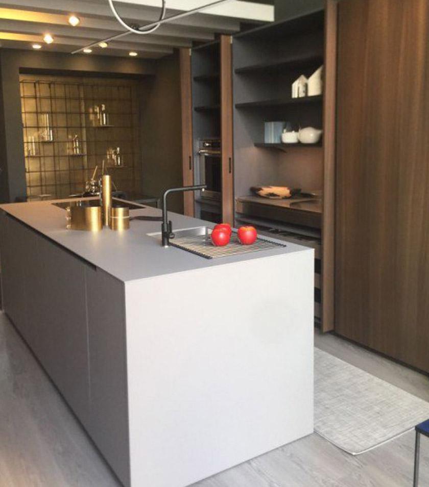 Moderne-stilvolle-Küche-3