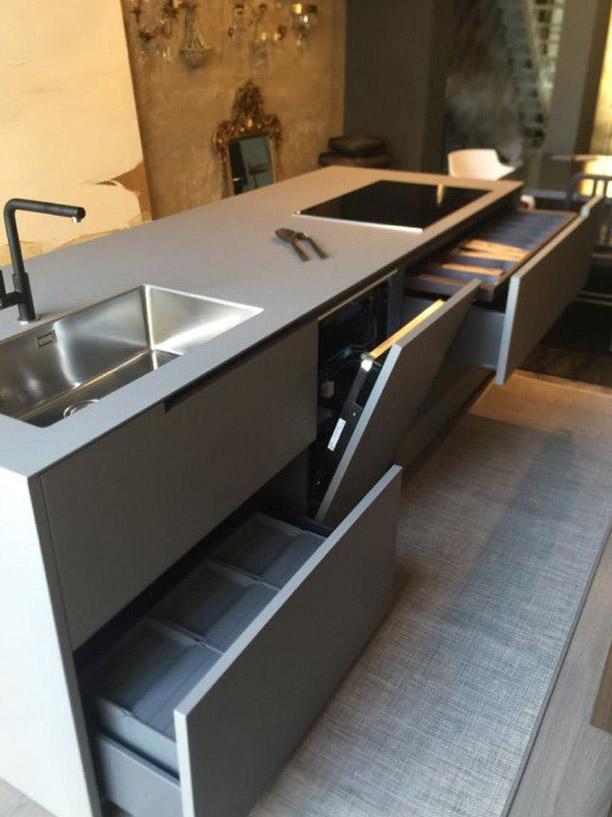 Moderne-stilvolle-Küche-6